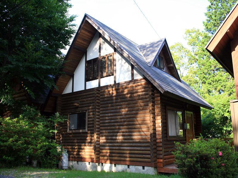 Kashibesso Housenji Log House A