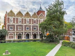 Фото отеля Safestay London Kensington Holland Park