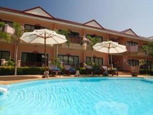 Lanta Seafront Resort