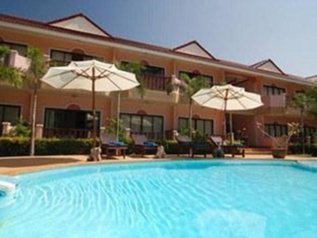 ลันตา ซีฟรอนท์ รีสอร์ท – Lanta Seafront Resort
