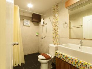 My Way Hua Hin Music Hotel Hua Hin / Cha-am - Family Bathroom
