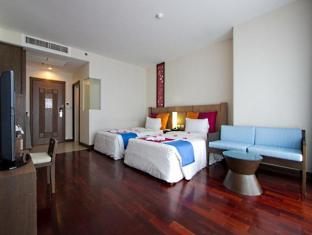 Pattaya Discovery Beach Hotel Pattaya - Superior Seaview Bathtub and Balcony with Breakfast