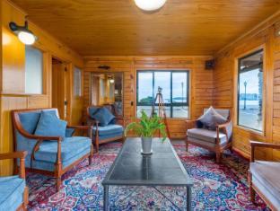 Wellesley on the Lake Taupo - Fojė
