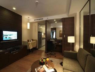 Legacy Suites Sukhumvit by Compass Hospitality Bangkok - One Bedroom Executive Suite - Separate Living Area