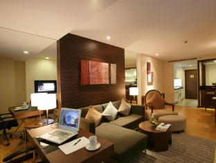 Legacy Suites Sukhumvit by Compass Hospitality Bangkok - One Bedroom Legacy Suite - Living area