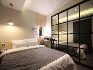 Hotel the Lazzi Gwangalli