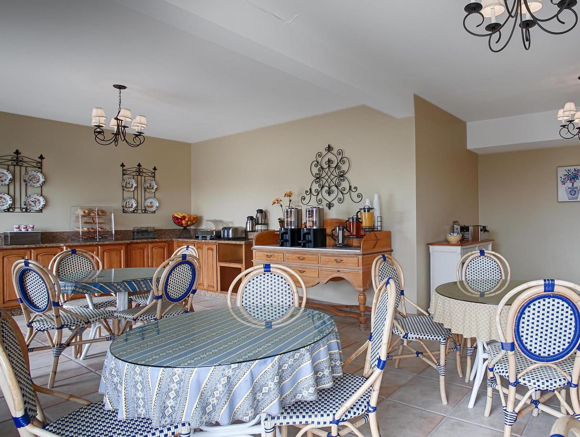 Price Carmel Bay View Inn