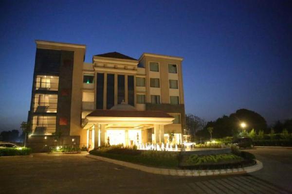Hotel Grapevine Varanasi