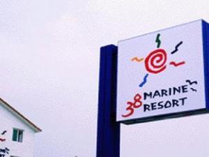 38 Marin Resort