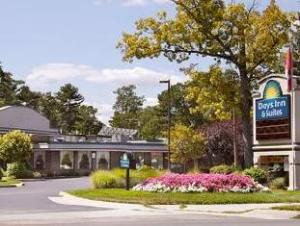 Days Inn Traverse City Hotel