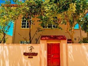 ハルハドゥー イン モルディブ (Holhudhoo Inn Maldives)