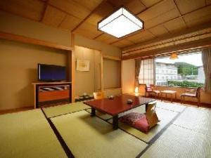 月冈酒店 (Tsukioka Hotel)