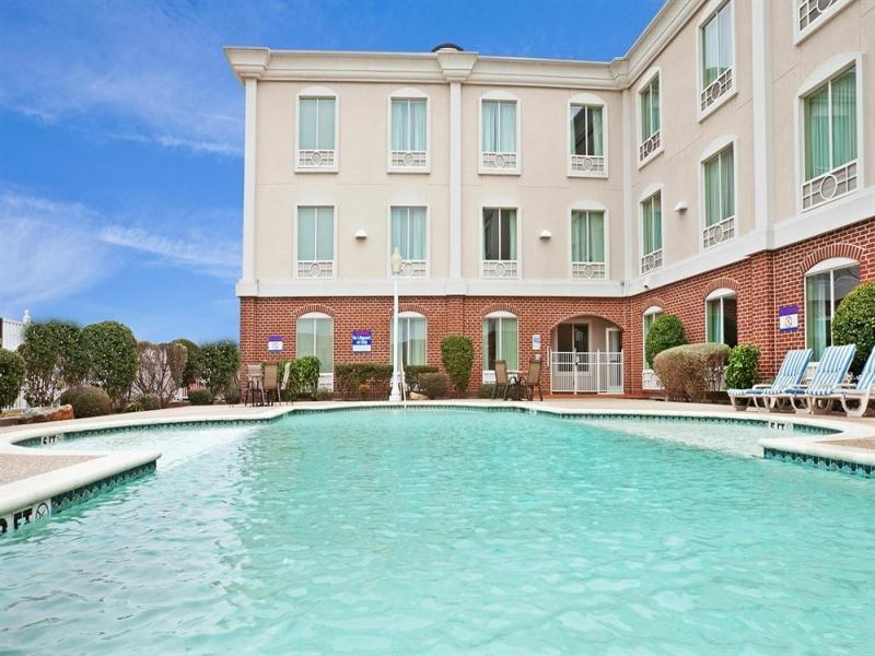 Holiday Inn Express Hotel And Suites Waxahachie