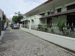 Guest House Griya Jambu 20