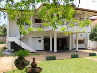 /id-id/evid-garden-hotel/hotel/negombo-lk.html?asq=5VS4rPxIcpCoBEKGzfKvtE3U12NCtIguGg1udxEzJ7kOSPYLQQYTzcQfeD1KNCujr3t7Q7hS497X80YbIgLBRJwRwxc6mmrXcYNM8lsQlbU%3d