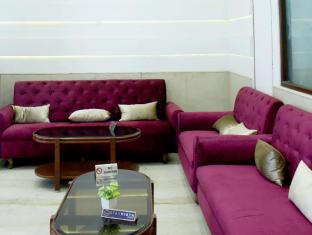 Stay Vista Rooms @ CST P.D Mello Rd
