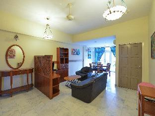 Фото отеля Holiday Apartment @Century Suria Service Apartment