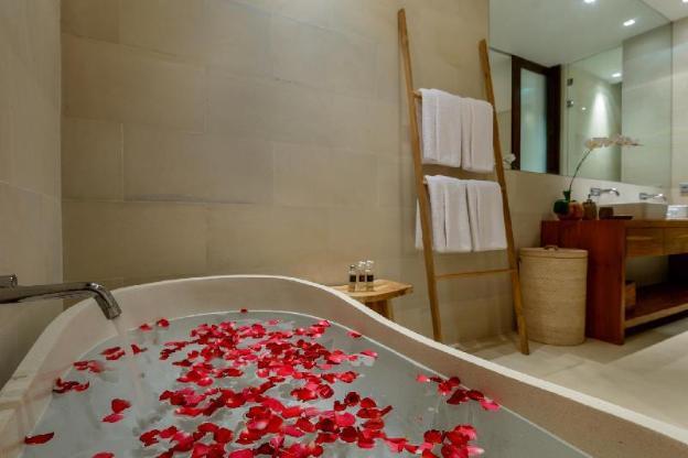 Stunning 4 Bedroom Family Villa - Berawa