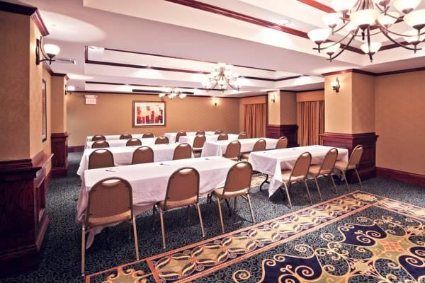 Holiday Inn Express Hotel & Suites Shawnee I 40