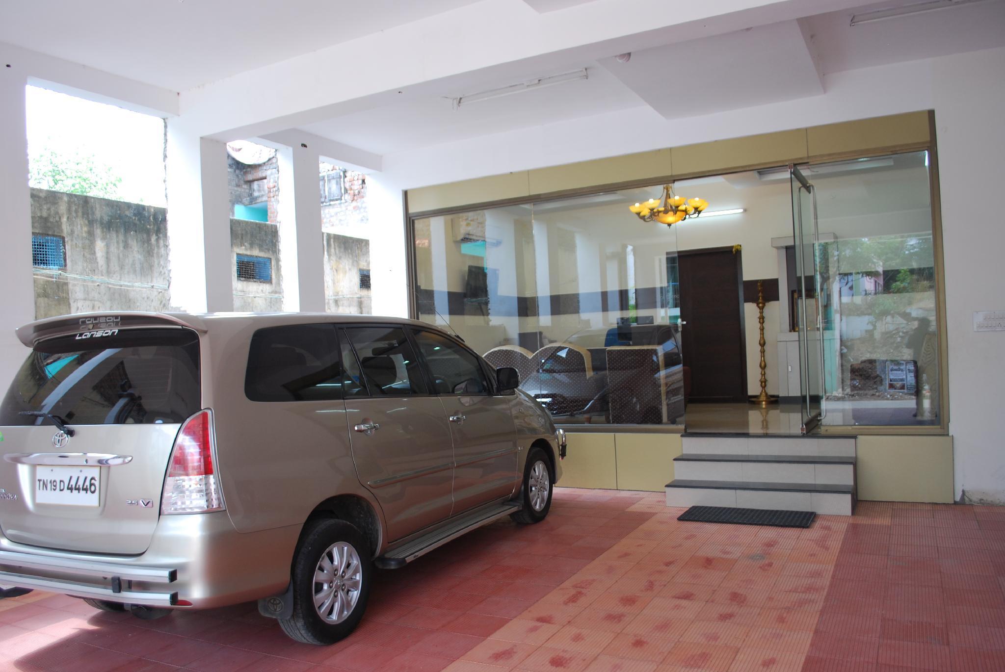 Maduraa Serviced Apartment