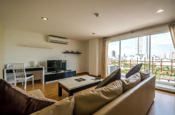 2 Bedrooms apartment near Chong Nonsi BTS Bangkok