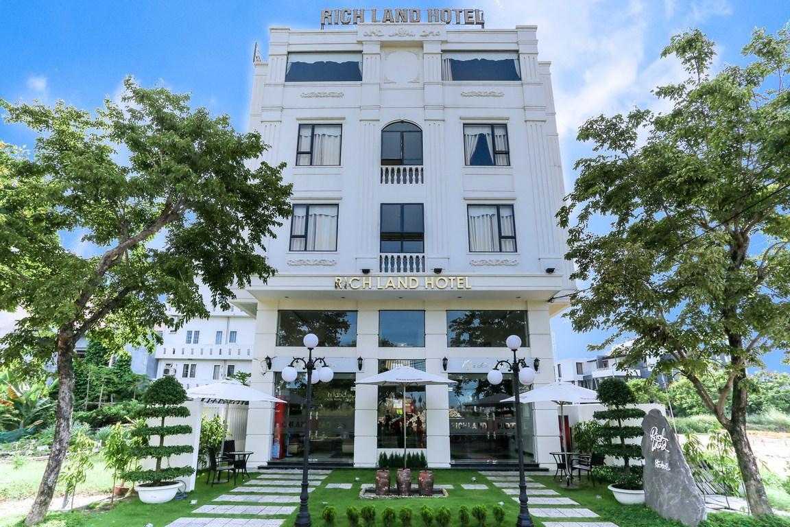 Rich Land Hotel