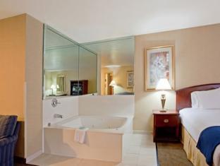 Holiday Inn Express Los Angeles-Univ Cty-Cahuenga Hotel Los Angeles (CA) - Suite Room