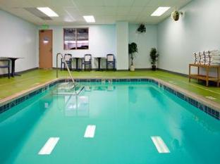 Holiday Inn Express Los Angeles-Univ Cty-Cahuenga Hotel Los Angeles (CA) - Swimming Pool