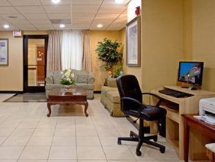 Holiday Inn Express Los Angeles-Univ Cty-Cahuenga Hotel Los Angeles (CA) - Business Center