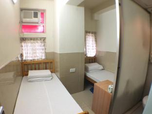 Hong Kong South North Hostel