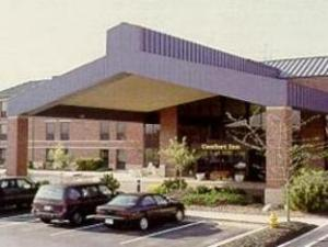 克利夫兰机场凯富酒店 (Comfort Inn Cleveland Airport Hotel)