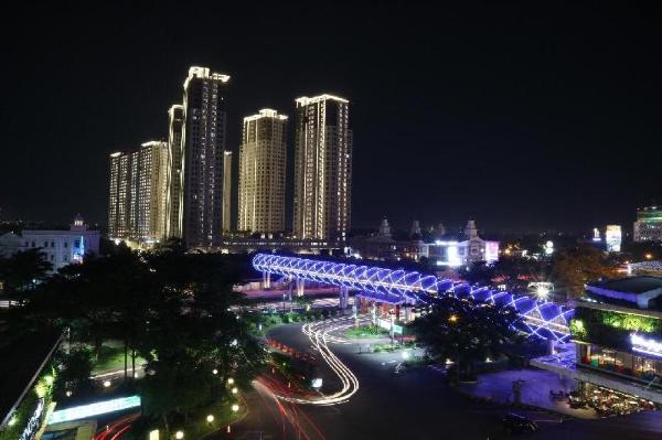 APARTEMEN swimming pool view + FREE PLAYSTATION 4 Tangerang