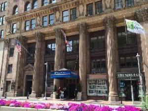ホリデイ イン エクスプレス クリーブランド ダウンタウン (Holiday Inn Express Cleveland Downtown)