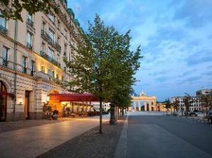 關於阿德隆凱賓斯基飯店 (Hotel Adlon Kempinski)