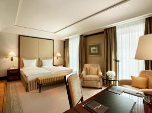 Hotel Adlon Kempinski Berlin - Guest Room