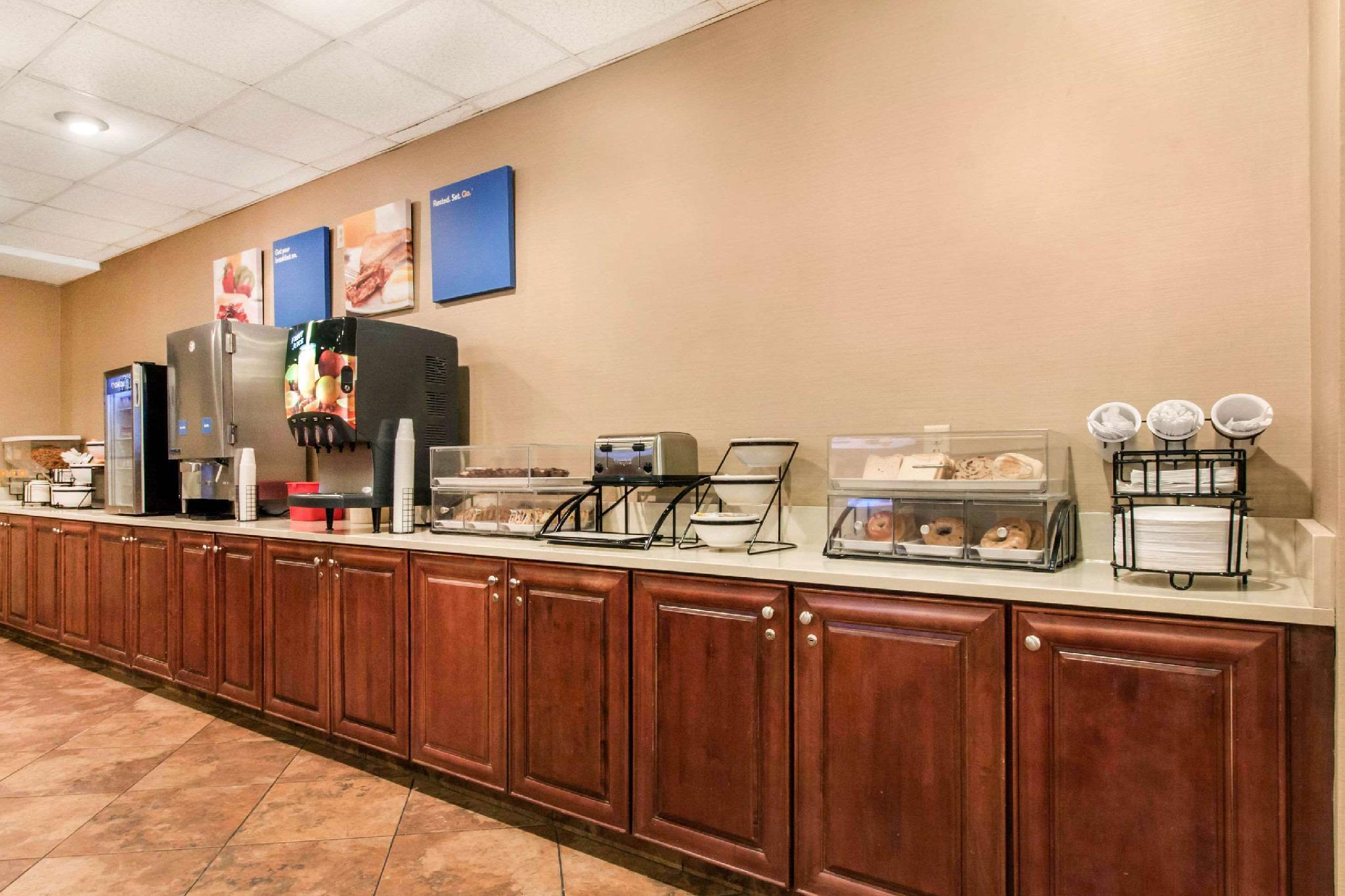 Comfort Inn & Suites Omaha Central