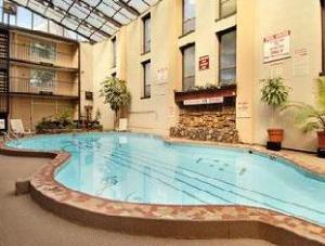 Ramada Nashville Downtown Hotel