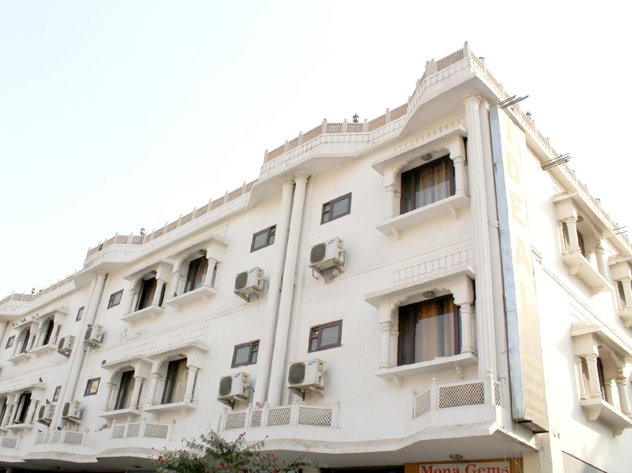 Hotel Crown Jaipur