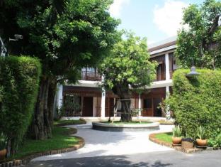 Rimping Village Hotel Chiang Mai - Hotel Aussenansicht