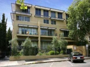 Catani 1 Apartment