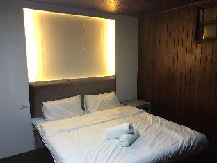 Thai style eight bedroom nine bath villa inBangkok บ้านเดี่ยว 8 ห้องนอน 9 ห้องน้ำส่วนตัว ขนาด 400 ตร.ม. – รัชดาภิเษก