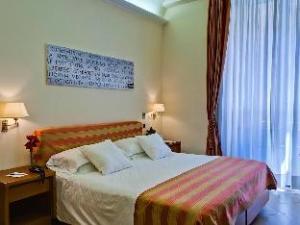 Crosti Hotel