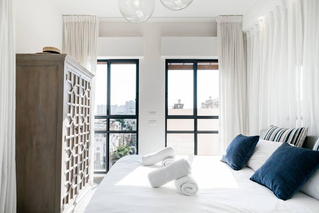 Trust Inn   Stunning Duplex Terraces Overlooking City And Sea