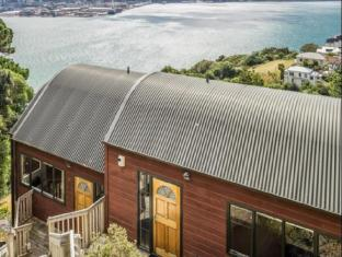 Stay Clifftop Chalet 1