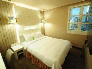 Kindness Hotel- Zhong Shan Bade