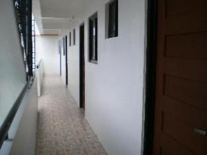 Palines Apartment and Guesthouse