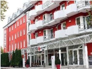 โรงแรมอาซีมุท เดรสเดน (Azimut Hotel Dresden)