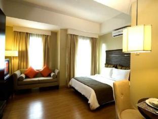 Lancaster Hotel Manila Manila - Junior Suite
