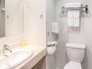 Days Inn Tamuning Guamas - Vonios kambarys