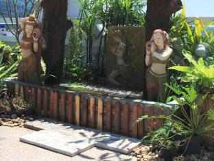 Rayaburi Hotel Patong Phuket - Rooftop Garden